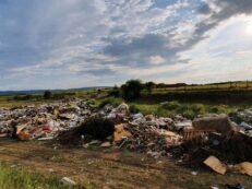 groapa de gunoi ilegala vinerea aug 2020
